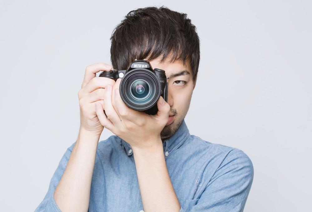 bsLIG93_camerawomukeruhiroyuki1194