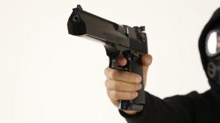 銃で撃たれたことあるけど質問ある?